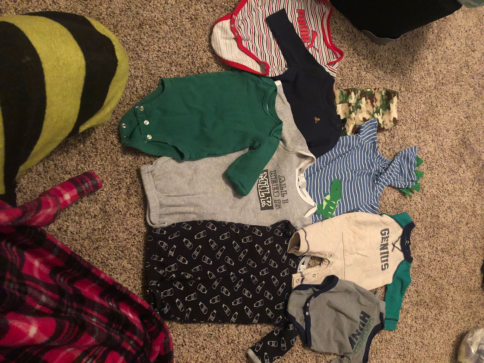 GAP, Puma, Jordan, adidas etc bin full of boys clothes premie/nb/0-3 months