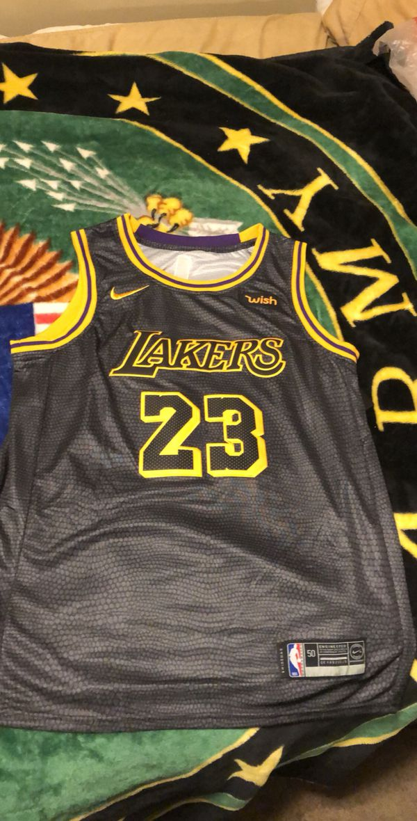 05b461d0d5c LeBron James Lakers Jersey for Sale in Belton, MO - OfferUp