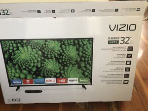 32 inch TV 1080p for Sale in Chicago, IL