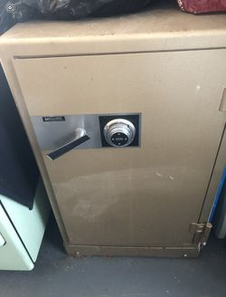Large Safe , Fire Proof Thumbnail