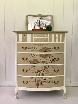 Vintage Eight Drawer Chest for Sale in Glenwood, MD
