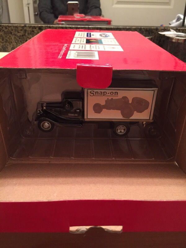 SNAP ON 1930 Benefiel Garage Diorama