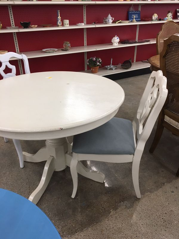 round dining table for sale in omaha ne  offerup