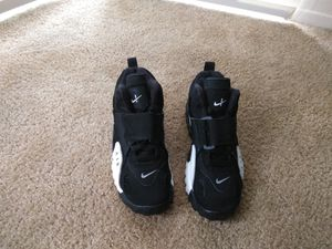 Nikes for sale only asking $ 40 size 8.5 for Sale in Washington, DC