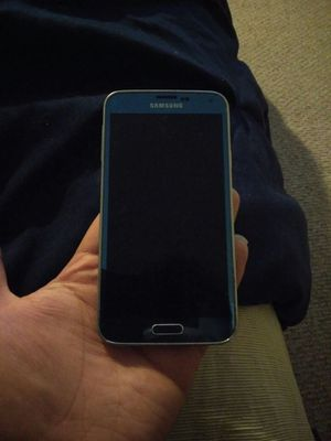 Samsung Galaxy S5 screen is fine needs new lcd for Sale in Burke, VA
