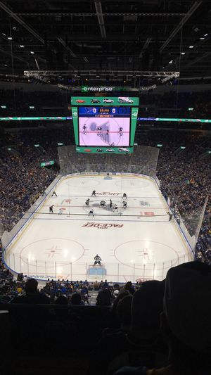 2 tickets to tonight's 11/9 Blues game for Sale in Fenton, MO