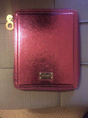 Nine West pink metallic iPad cover w/ zipper and kick-stand! for Sale in Atlanta, GA
