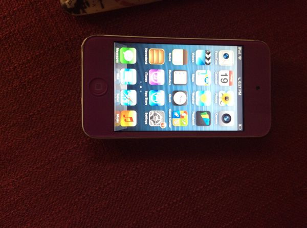 iPod touch 4 generacion 8 gb (Electronics) in Oakland, CA - OfferUp