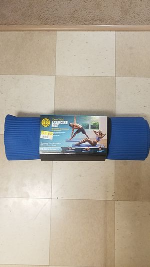 Exercise Mat (Golds Gym 10mm Thick) for Sale in Fairfax, VA