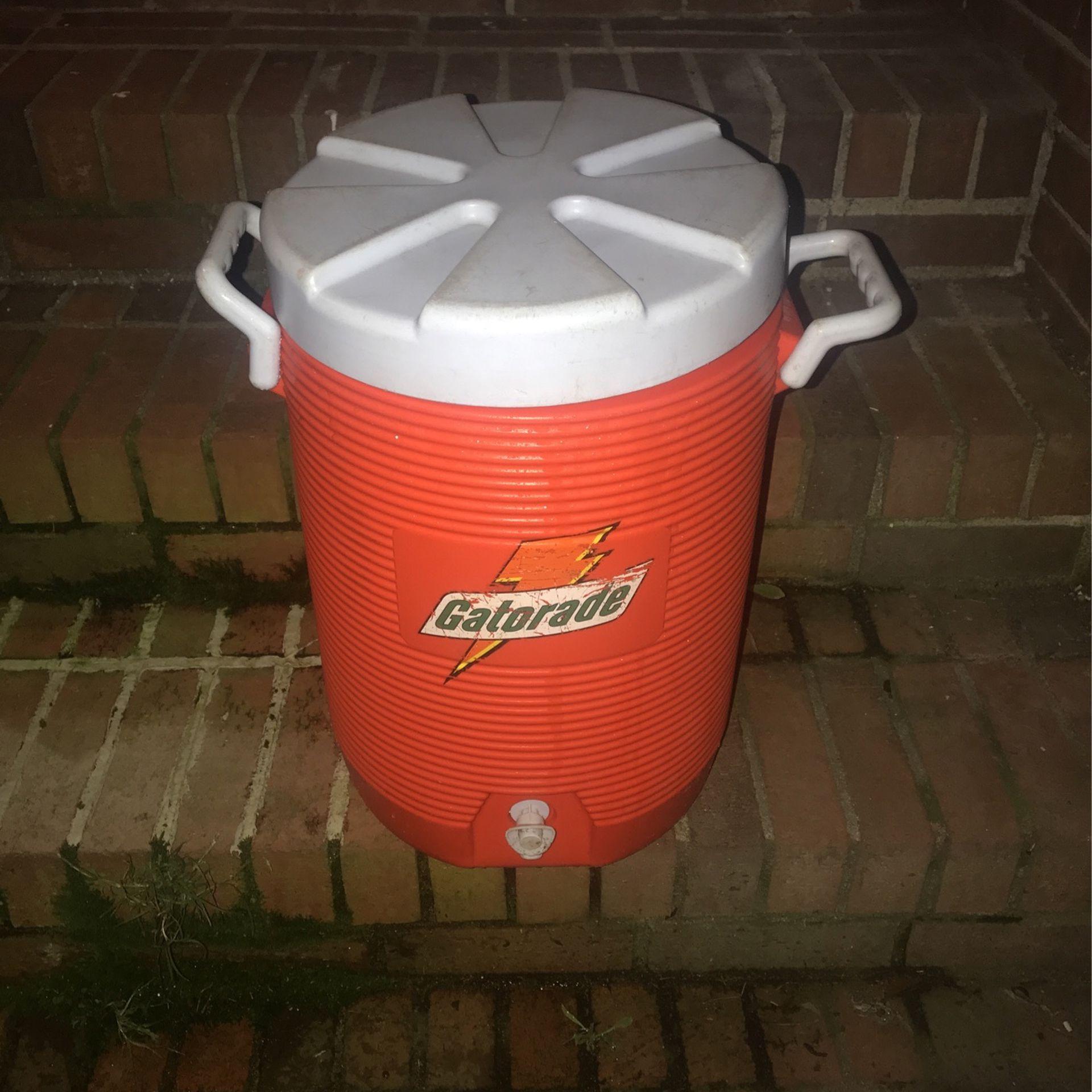 Gatorade 10 Gallon Dispenser - Cooler