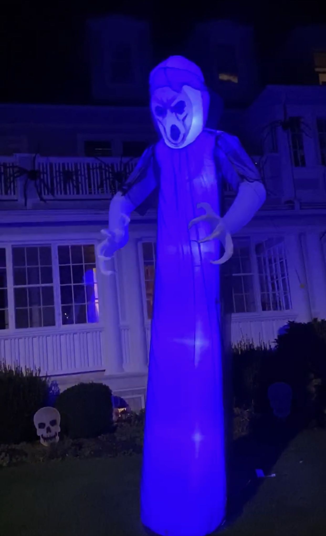 Airblown Lightshow Short Circuit Frightening Ghost Inflatable with Overlay Giant