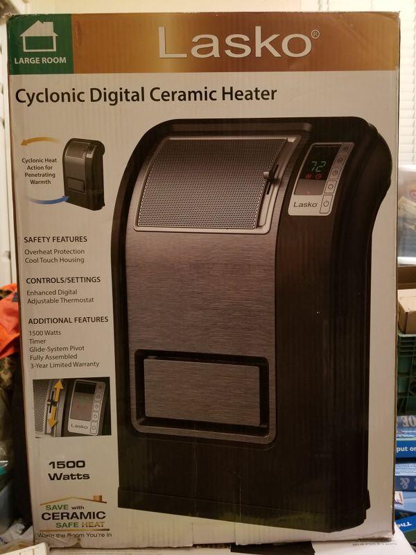 Lasko Cyclonic Digital Ceramic Heater for Sale in Queen Creek, AZ - OfferUp