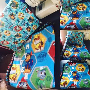 Paw Patrol Fleece Set w/matching pillow for Sale in Cleveland, OH