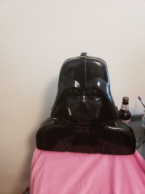 Star Wars 1976-1986 Darth Vader Suitcase and ALL collectible action figures. for Sale in Harrisonburg, VA