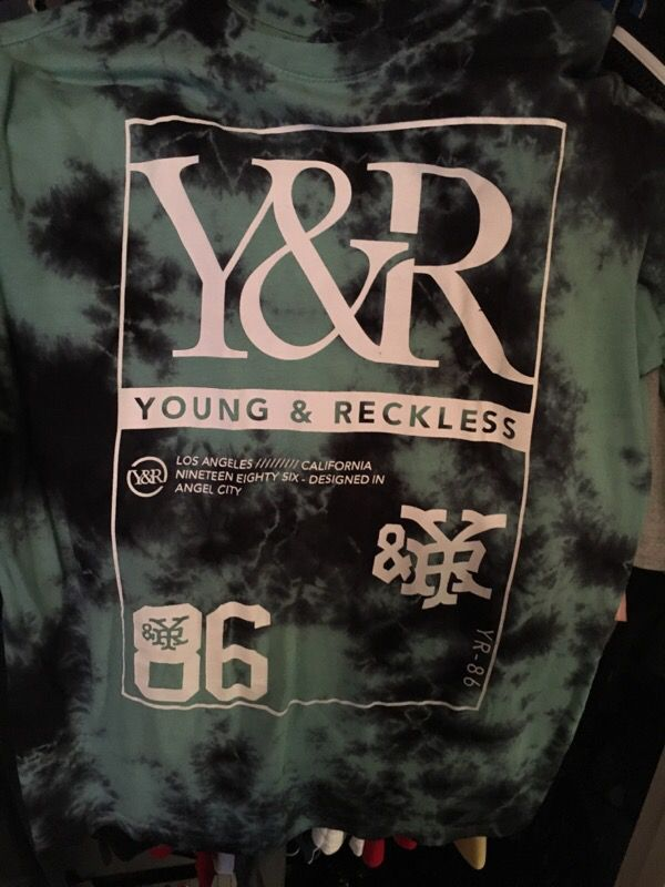 Young and reckless shirt size L