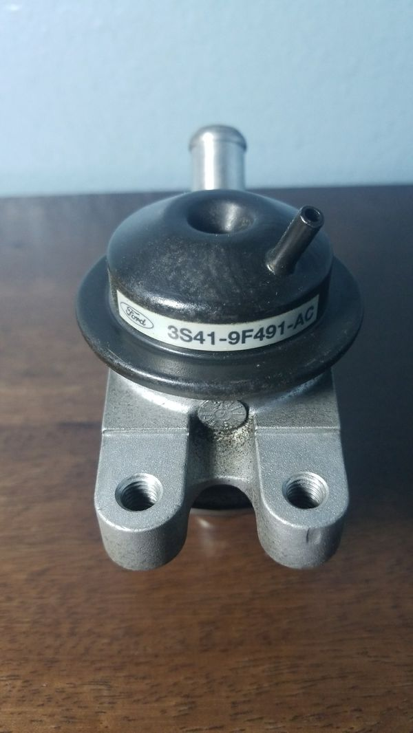 Used 2002 - 2005 Ford Focus 2 0L-2 3L Air System Check Valve 3S41