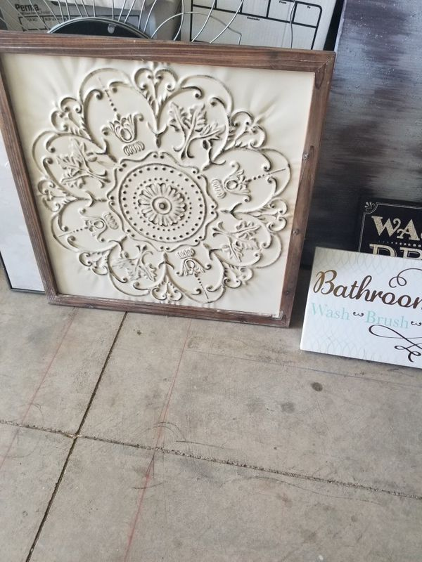 Framed metal wall art for Sale in Rancho Cordova, CA - OfferUp