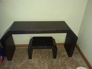 Console table and stool for Sale in Madison, OH