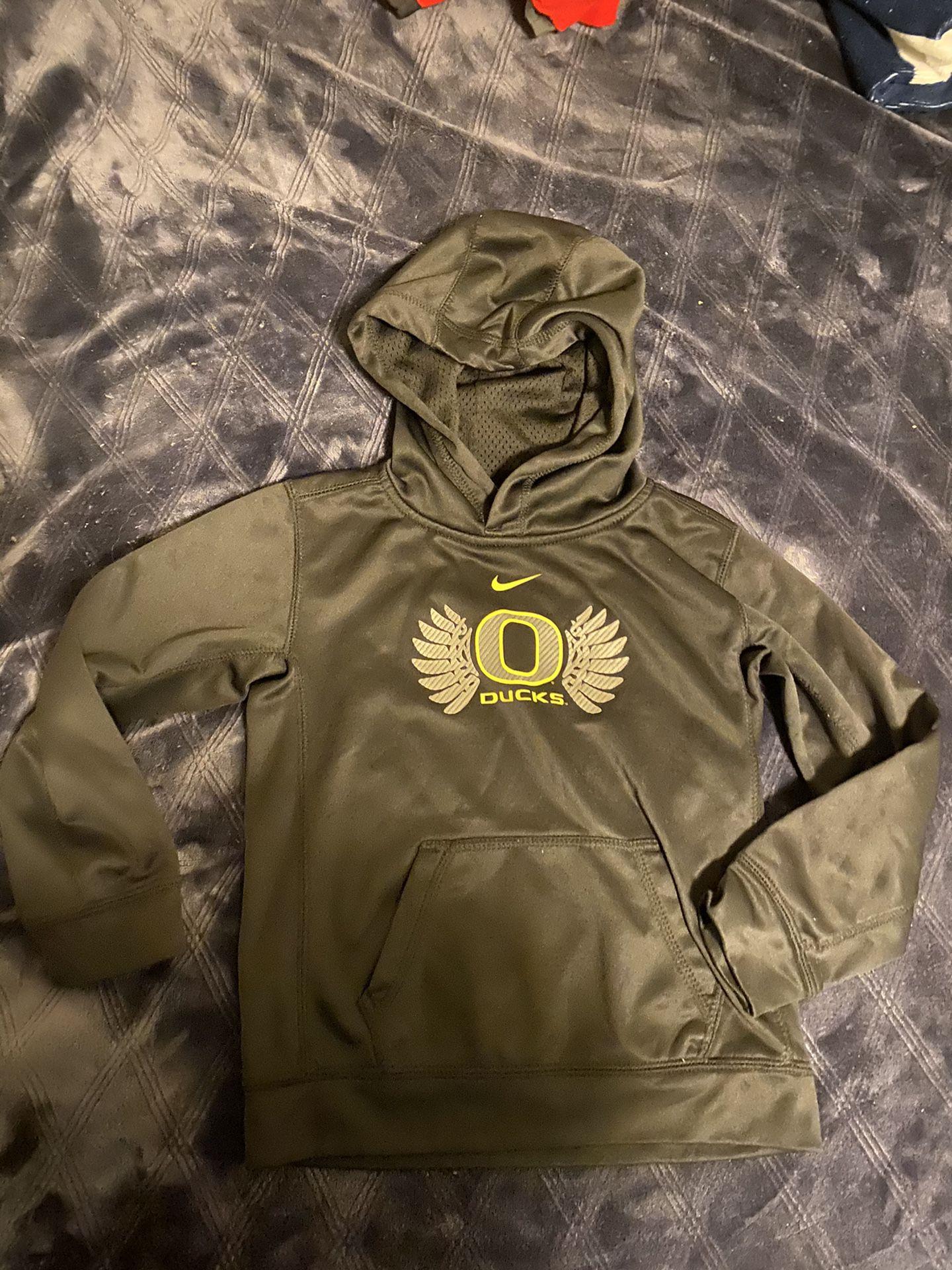 Boys size 7 Nike Oregon ducks sweater