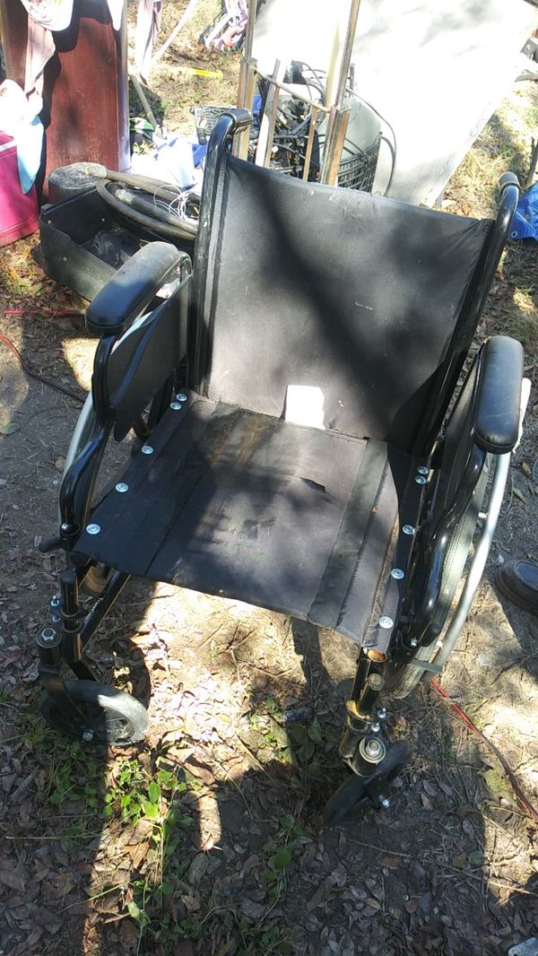 A wheelchair innovacare good shape for Sale in Dallas, TX - OfferUp