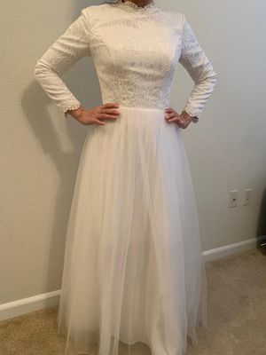 Women's white long-sleeved muslim wedding gown for Sale in Fairfax, VA