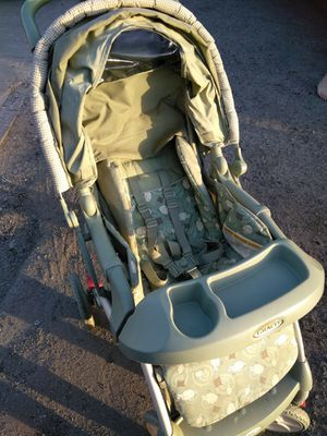 Graco baby stroller good shape 25.00 for Sale in Bakersfield, CA