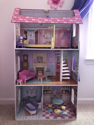 Doll House for Sale in Charles Town, WV