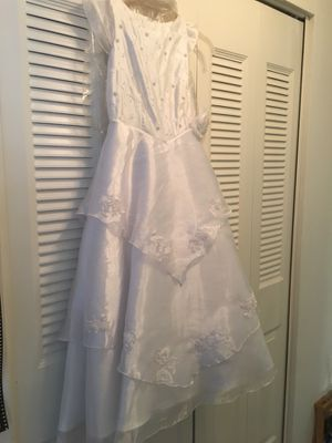 WHITE DRESS for Sale in Annandale, VA