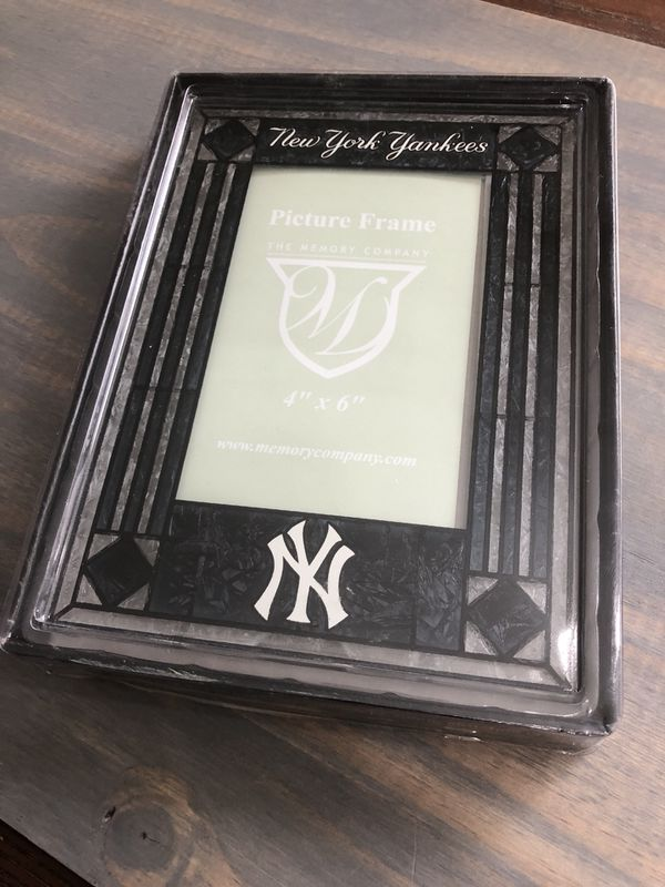 Yankees 4x6 Frame New In Package For Sale In Murrieta Ca Offerup