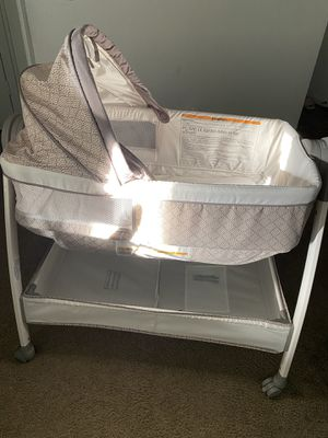 Photo Graco dream suite bassinet/changing table