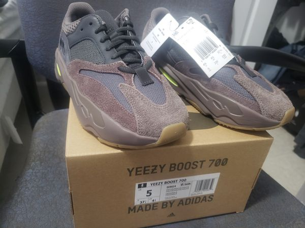 reputable site 79f60 9c65a Yeezy 700 Mauve for Sale in Miramar, FL - OfferUp
