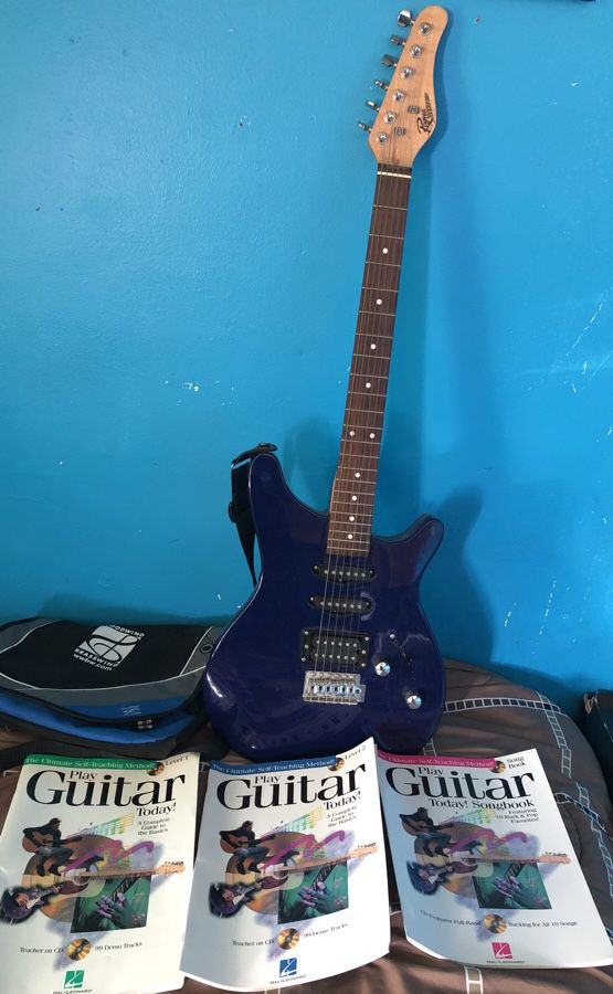 Rogue Rocketeer Electric Guitar For Sale In South Bend In Offerup