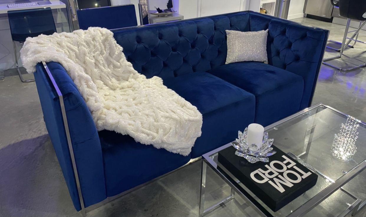 El Dorado Emma Blue Sofa Velvet Blue