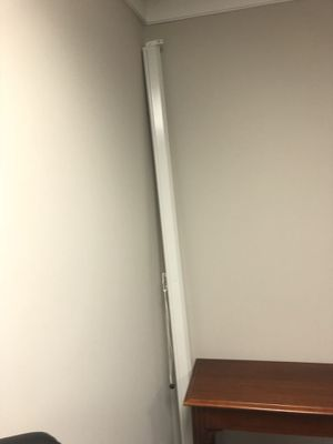 Projector screen for Sale in Alexandria, VA