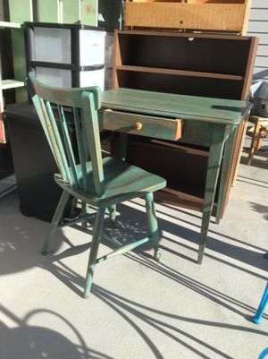 Vintage Desk And Chair For In Seattle Wa