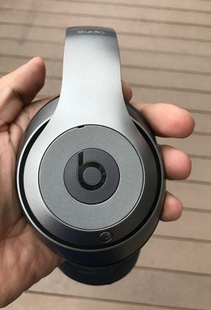 Beats wireless studio with all accessories in the box for Sale in Henrico, VA