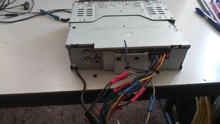 Radio kenwood with aux non blue tooth Thumbnail