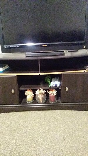 Chocolate Brown TV stand for Sale in Washington, DC