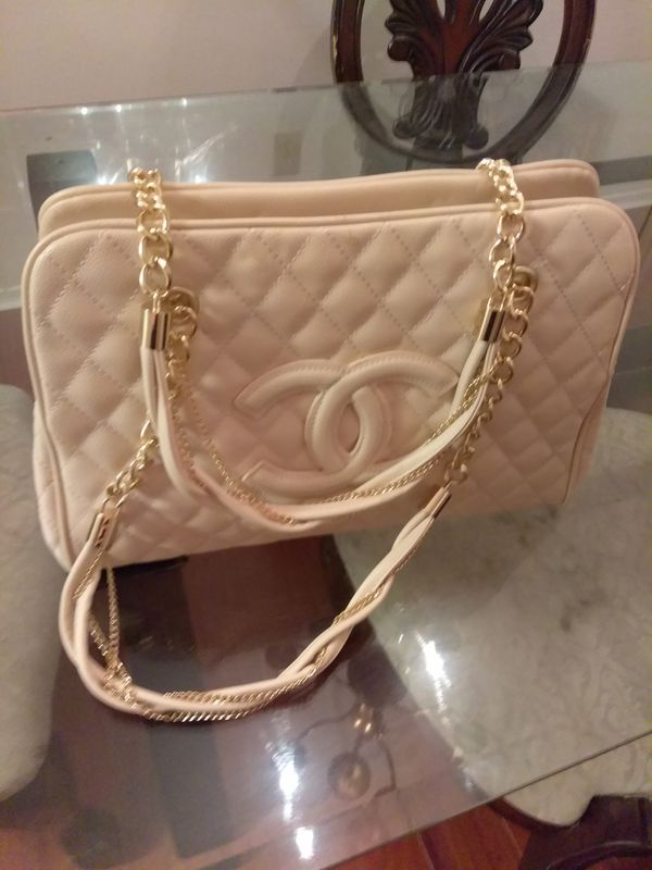 New Cream and Gold Channel Bag for Sale in Atlanta, GA - OfferUp