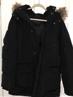 Tommy Trench coat size L for Sale in Clarksburg, MD