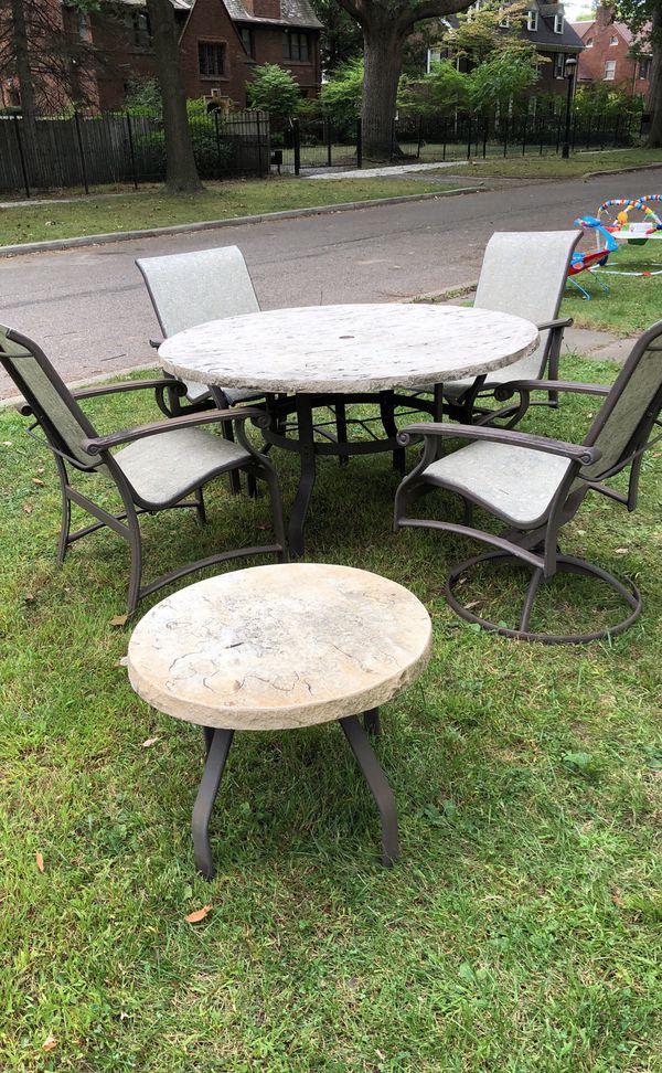 6 Pc Patio Set With Umbrella: Patio Furniture, 6 Pc Set For Sale In Detroit, MI