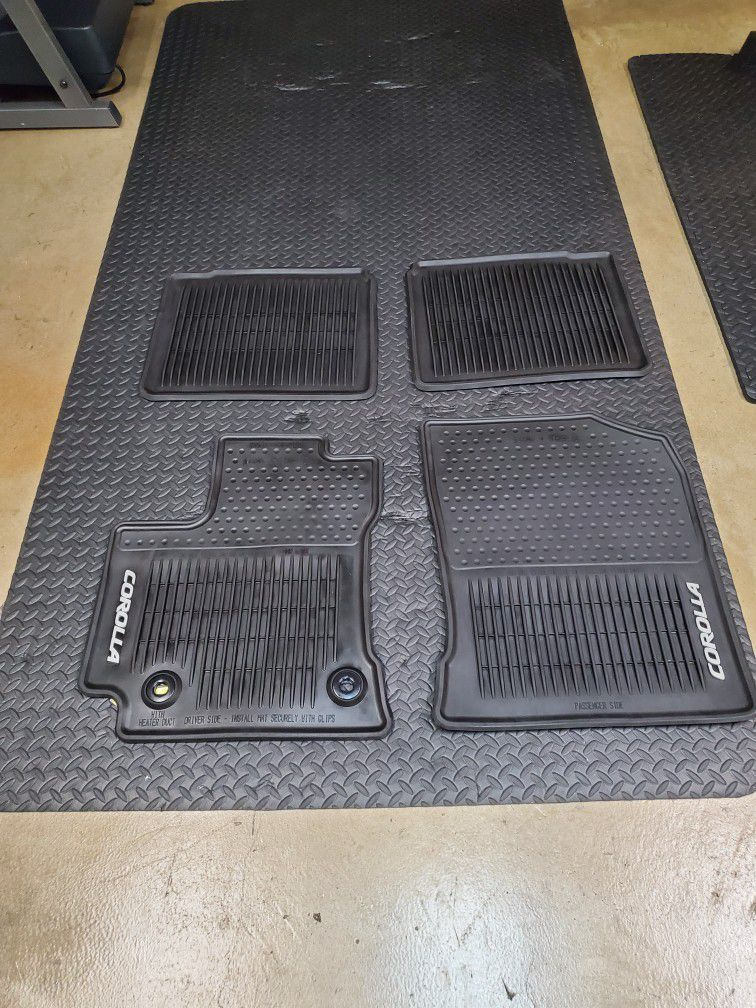 All weather floor mats for 2028 corolla