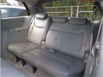 2004 Toyota Sienna Thumbnail