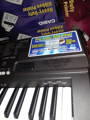 Musical keyboard new for Sale in Clifton, NJ