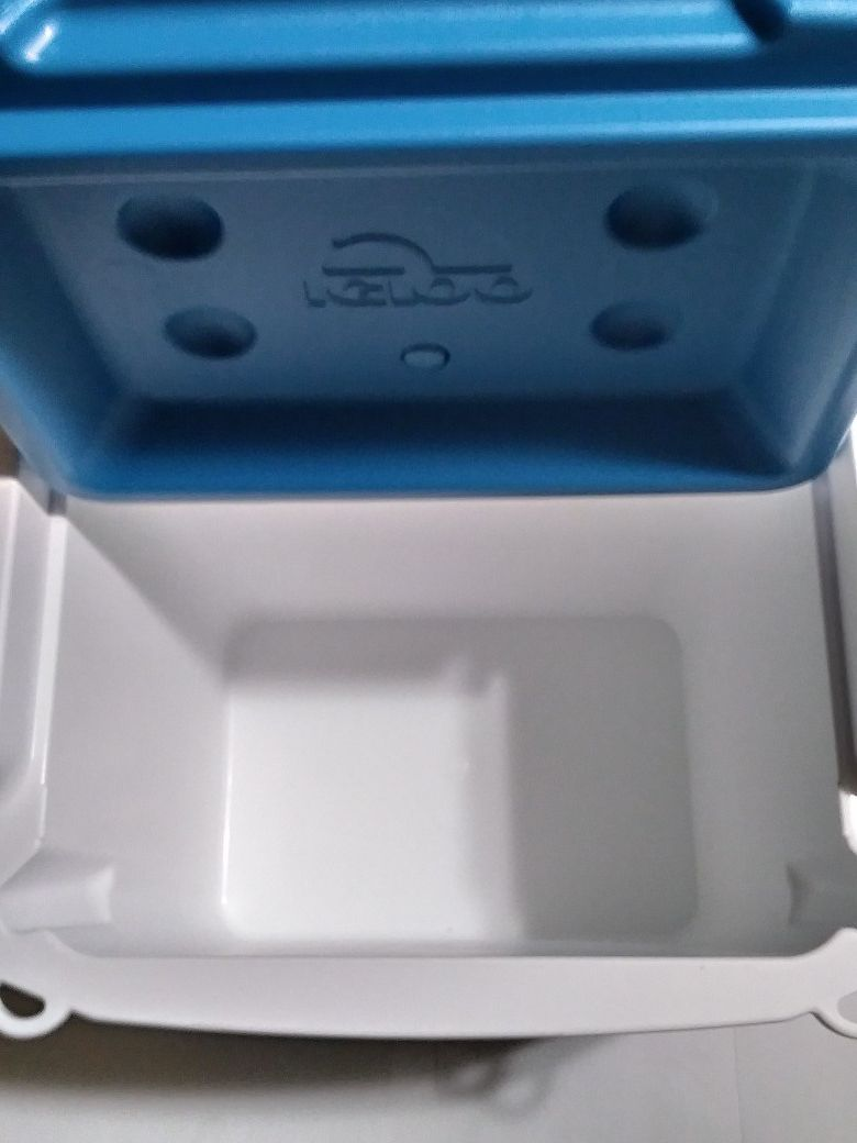 Brand New Igloo Profile 16 Cooler