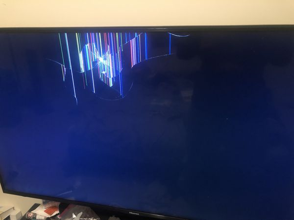 """55"""" Hisense Smart TV CRACKED SCREEN for Sale in North"""