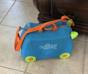 """Child suitcase """"Trunki"""" by Melissa and Doug. Kids luggage!! for Sale in Orlando, FL"""