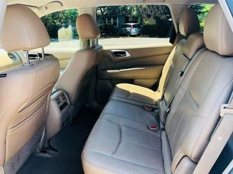 2013 Nissan Pathfinder Thumbnail