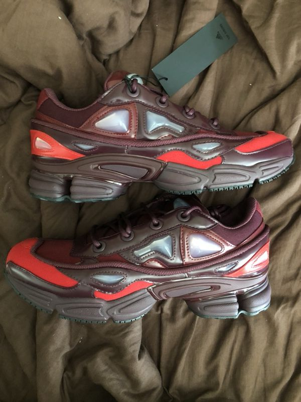 8565fb928 Raf Simons Ozweego 3 Burgundy Size 8 for Sale in Queens