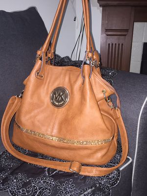 Micheal Kors purse barely in Excellent Condition for Sale in Alexandria, VA